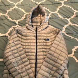 Men's Northface lightweight puffer jacket